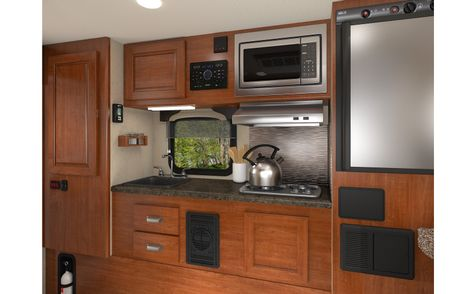 825 Lance 2019 Truck Camper Short Bed - Coming Soon  in Livermore, California
