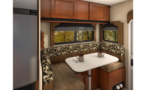 850 Lance 2019 Truck Camper Long Bed   in Livermore, California