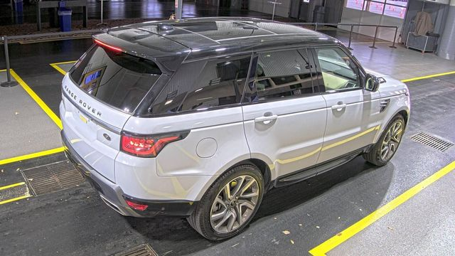 2019 Land Rover Range Rover Sport HSE PANO ROOF UNDER FACTORY WARRANTY in Memphis, Tennessee 38115