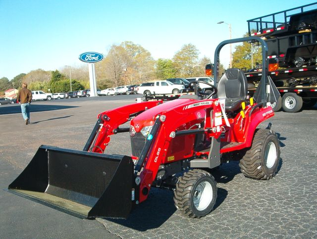 2019 Massey Ferguson GC1723E in Madison, Georgia 30650