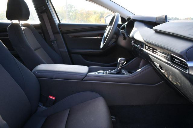 2019 Mazda Mazda3 Sedan Naugatuck, Connecticut 9