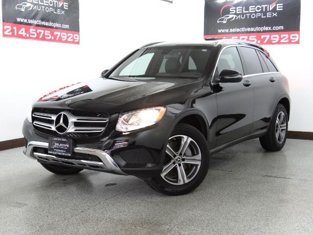2019 Mercedes-Benz GLC 300 GLC300, LEATHER SEATS, PANO ROOF, REAR VIEW CAM in Carrollton, TX 75006