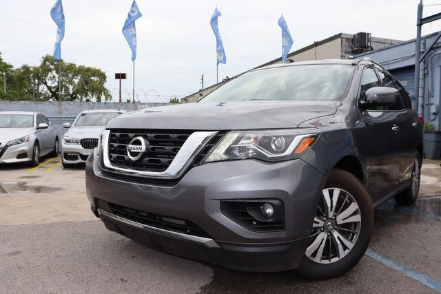 2019 Nissan Pathfinder SV in Miami, FL 33142