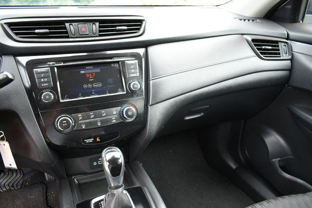 2019 Nissan Rogue S AWD Naugatuck, Connecticut 19