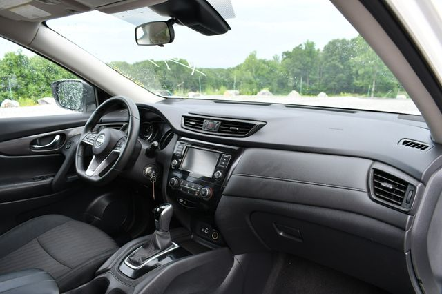 2019 Nissan Rogue S AWD Naugatuck, Connecticut 9
