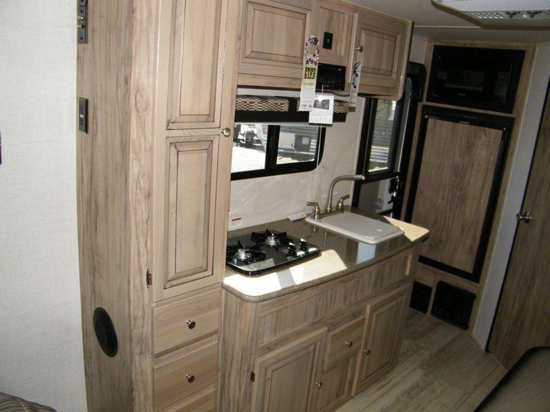 2019 Palomino Palomini-Real Lite 181FBS Off Road  in Surprise, AZ