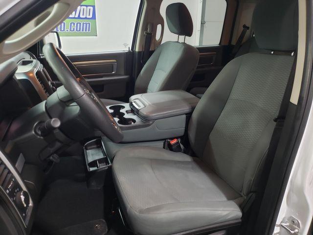 2019 Ram 1500 Classic SLT Crew 4x4 Hemi, Warranty in Dickinson, ND 58601