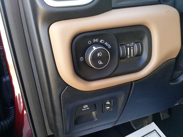 2019 Ram 1500 Crew Cab 4x4 Big Horn/Lone Star Houston, Mississippi 12