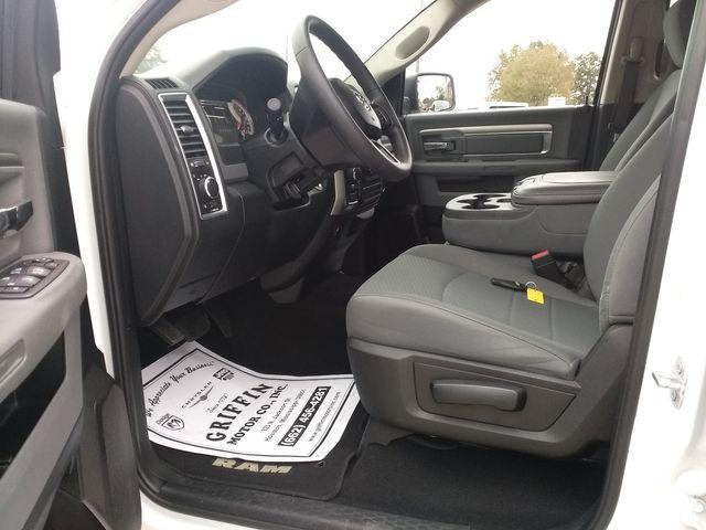 2019 Ram 1500 Crew Cab 4x4 SLT Houston, Mississippi 8