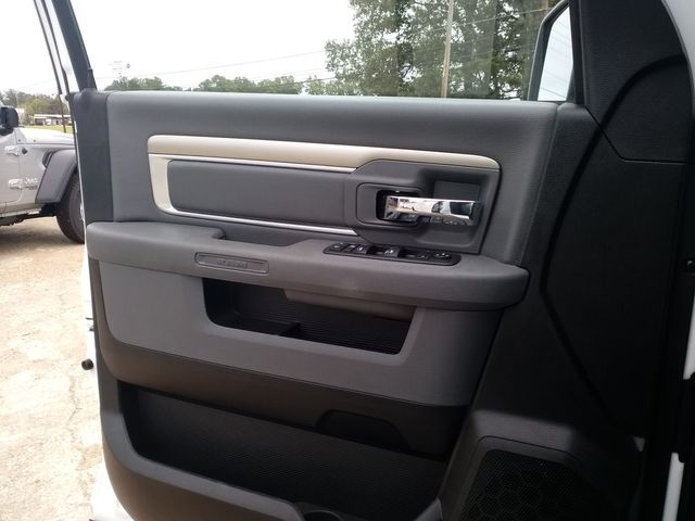 2019 Ram 1500 Crew Cab 4x4 SLT Houston, Mississippi 17