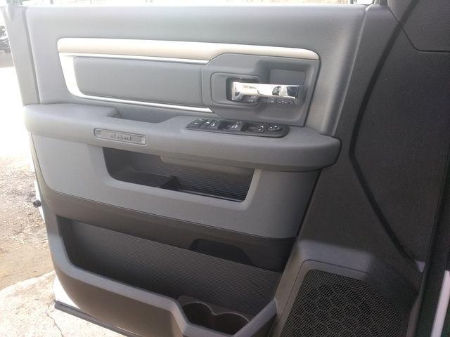 2019 Ram 1500 Crew Cab 4x4 SLT Houston, Mississippi 23