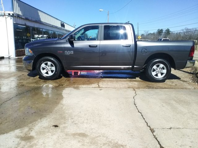 2019 Ram 1500 Crew Cab SLT Houston, Mississippi 3