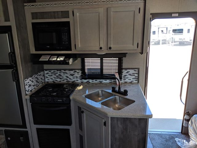 2019 Riverside Rv Mt. McKinley 530RL Mandan, North Dakota 5