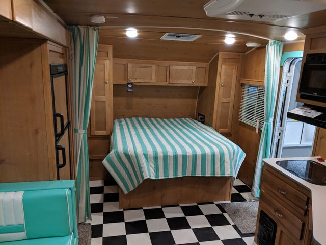 2019 Riverside Rv White Water Retro 193 Mandan, North Dakota 4