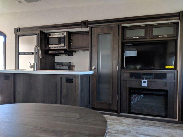 2019 Starcraft Telluride 338MBH Mandan, North Dakota 5
