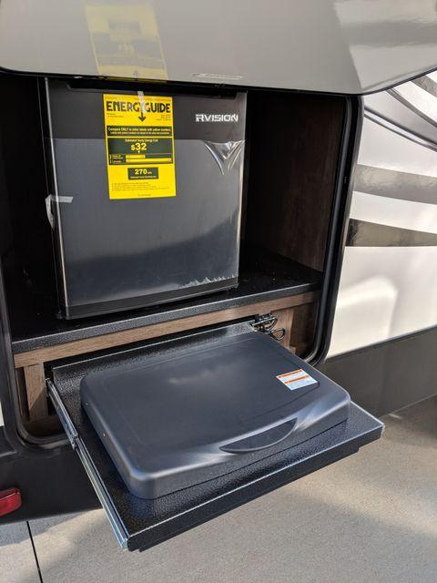 2019 Starcraft Telluride 251RES Mandan, North Dakota 29