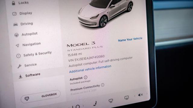 2019 Tesla Model 3 Standard Range Plus in Memphis, TN 38115