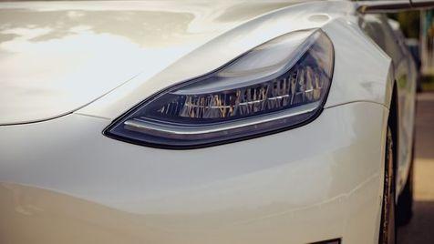 2019 Tesla Model 3 Standard Range Plus   Memphis, Tennessee   Tim Pomp - The Auto Broker in Memphis, Tennessee