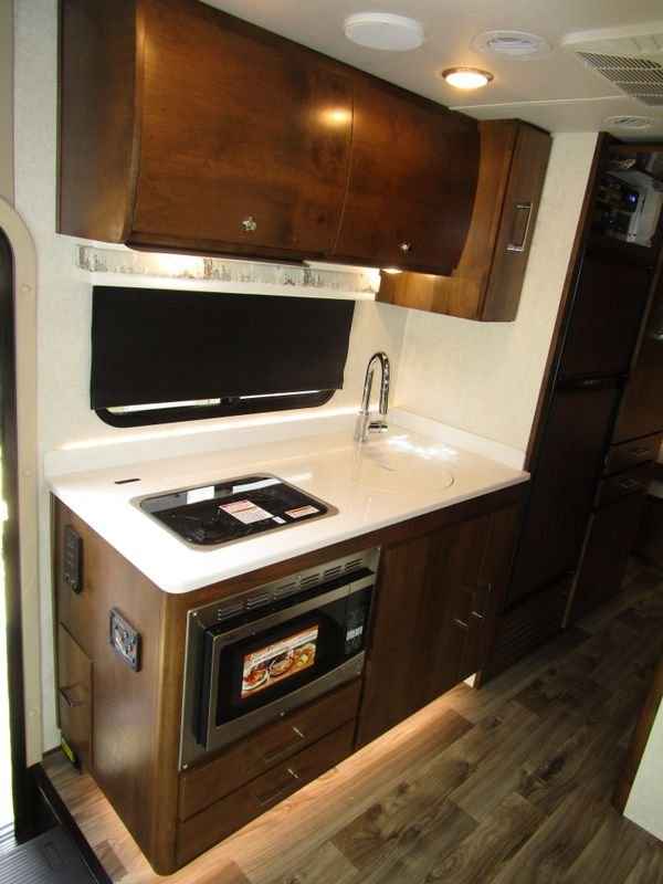 2019 Tiffin Wayfarer 25QW DIESEL GEN   in Charleston, SC