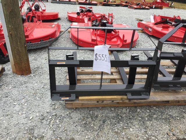"""2021 Pallet Forks Titan Pallet Forks 42"""" in Madison, Georgia 30650"""