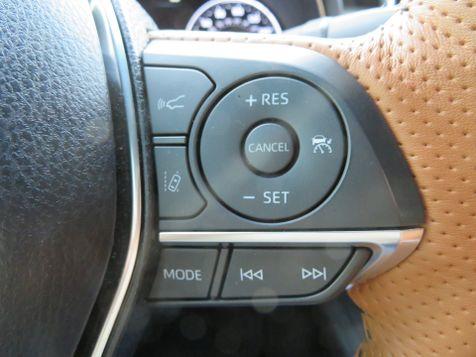 2019 Toyota Avalon Hybrid Limited | Abilene, Texas | Freedom Motors  in Abilene, Texas