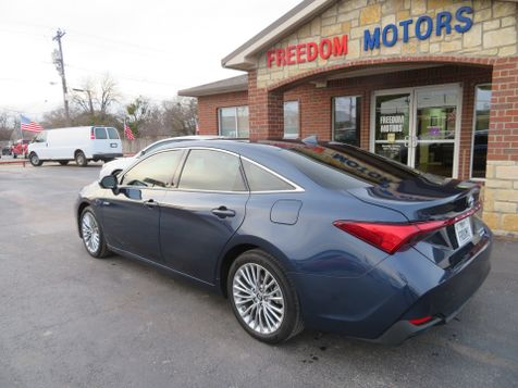2019 Toyota Avalon Hybrid Limited | Abilene, Texas | Freedom Motors  in Abilene, Texas