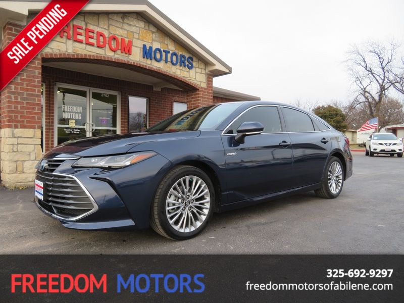 2019 Toyota Avalon Hybrid Limited | Abilene, Texas | Freedom Motors  in Abilene Texas