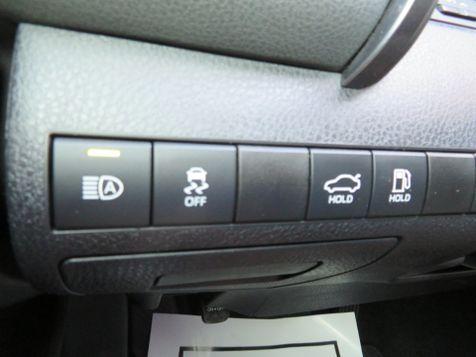2019 Toyota Camry SE   Abilene, Texas   Freedom Motors  in Abilene, Texas