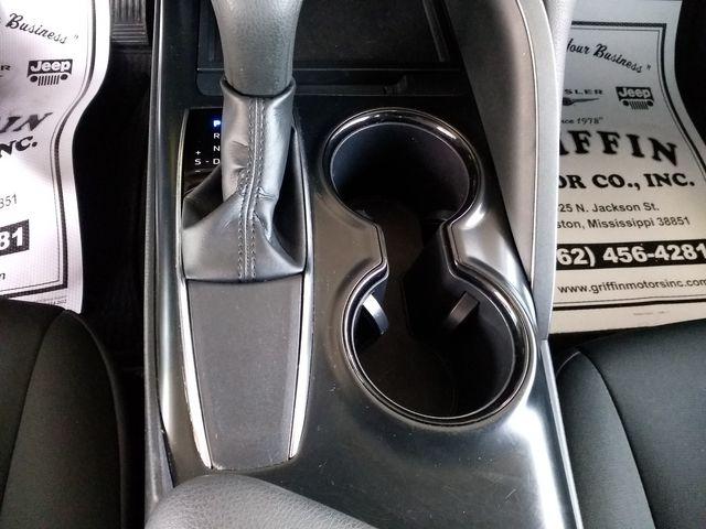 2019 Toyota Camry LE Houston, Mississippi 21