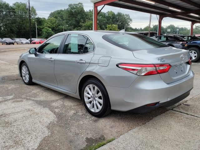 2019 Toyota Camry LE Houston, Mississippi 5
