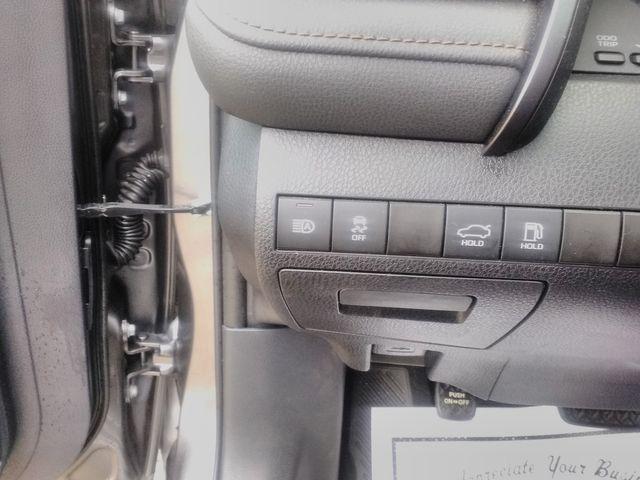 2019 Toyota Camry LE Houston, Mississippi 17