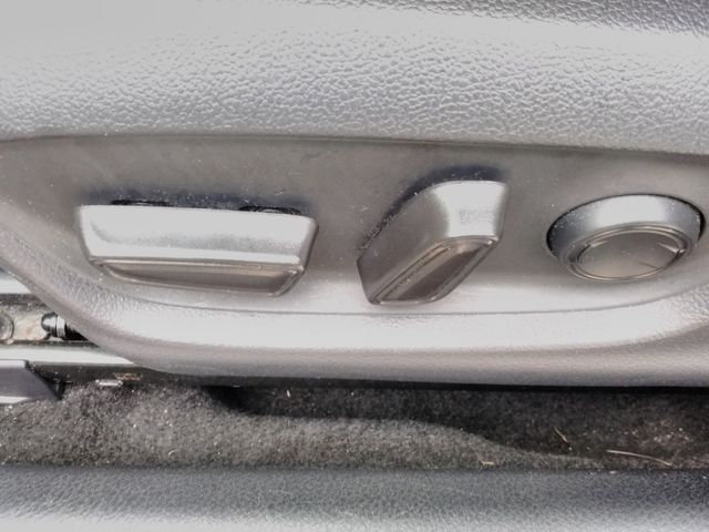 2019 Toyota Camry LE Houston, Mississippi 19