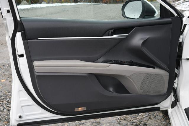 2019 Toyota Camry SE Naugatuck, Connecticut 18
