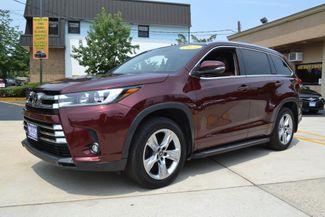 2019 Toyota Highlander in Lynbrook, New