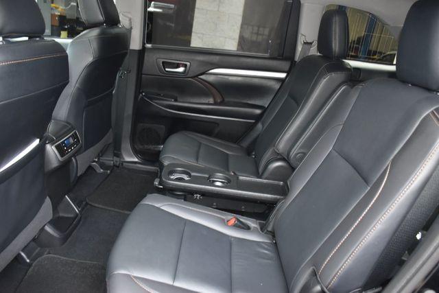 2019 Toyota Highlander XLE Waterbury, Connecticut 18