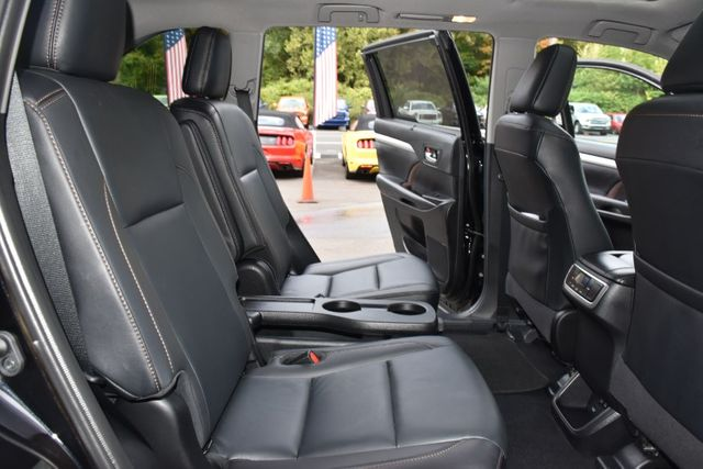 2019 Toyota Highlander XLE Waterbury, Connecticut 22