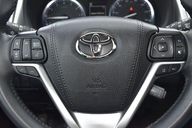 2019 Toyota Highlander XLE Waterbury, Connecticut 38