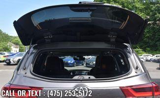 2019 Toyota Highlander XLE Waterbury, Connecticut 12