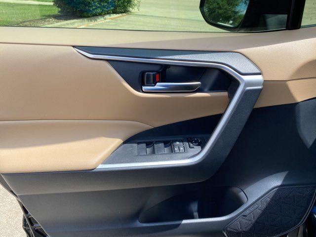 2019 Toyota RAV4 XLE in Carrollton, TX 75006