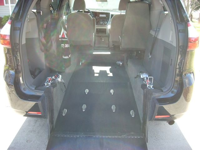 2019 Toyota Sienna Handicap wheelchair rear entry van