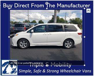 2019 Toyota Sienna Le Wheelchair Van Handicap Ramp Van Pinellas Park, Florida