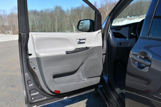 2019 Toyota Sienna LE AWD Naugatuck, Connecticut 20
