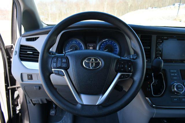 2019 Toyota Sienna LE AWD Naugatuck, Connecticut 22