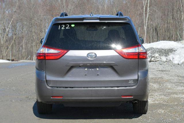 2019 Toyota Sienna LE AWD Naugatuck, Connecticut 5