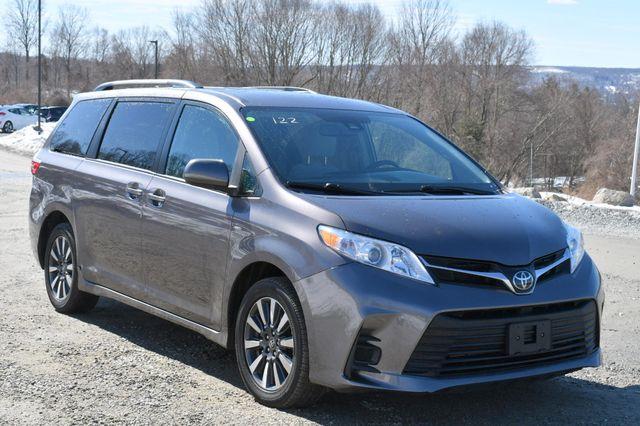 2019 Toyota Sienna LE AWD Naugatuck, Connecticut 8