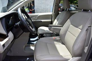 2019 Toyota Sienna XLE Premium Waterbury, Connecticut 13