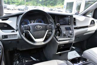 2019 Toyota Sienna XLE Premium Waterbury, Connecticut 10