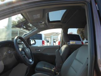 2019 Toyota Sienna Xle Auto Access Seat Wheelchair Van Handicap Ramp Van Pinellas Park, Florida 10
