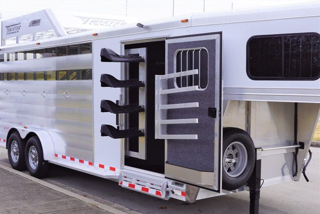 2019 Twister 4 Horse w/ Hay Rack in Fort Worth, TX 76111