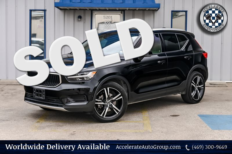 2019 Volvo XC40 AWD Momentum NAVIGATION/VISION PKG WITH PANO ROOF in Rowlett Texas